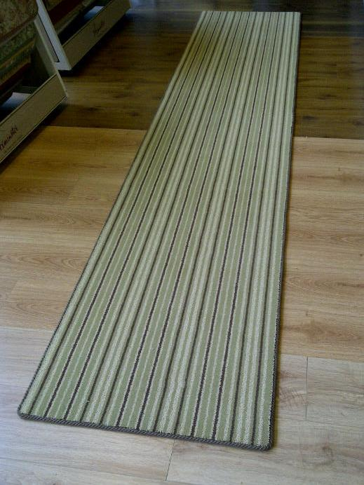 green stirpe runner